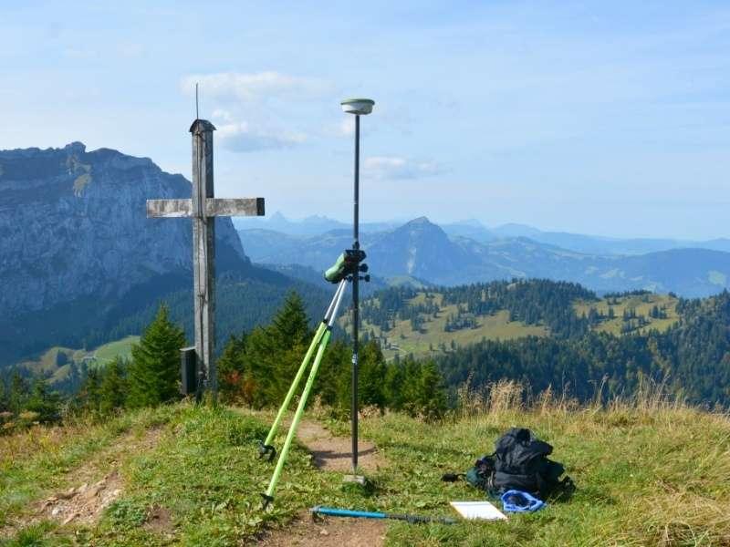 Geometer und Vermessung: Kontrollmessung am nationalen Lagefixpunktnetz 2. Ordnung