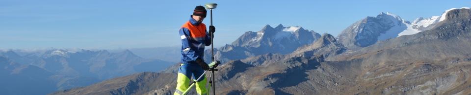 Geometer, Vermessung, Geomatik: Bestimmung grossräumiger Fixpunktnetze mittels GPS/GNSS